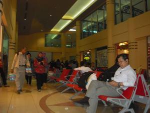 Bandara Sultan Mahmud Badaruddin II : Ruang Tunggu yang Nyaman dan Luas